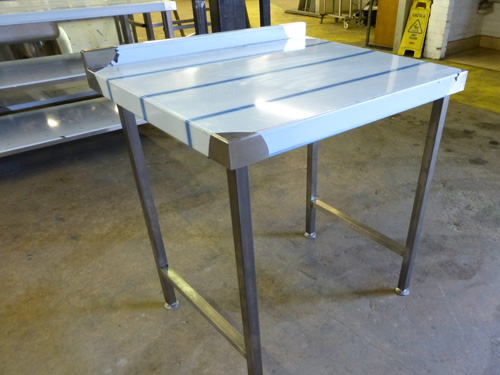 850mm wallbench with upstand to rear, this unit has a full void for an undercounter fridge or similar.
